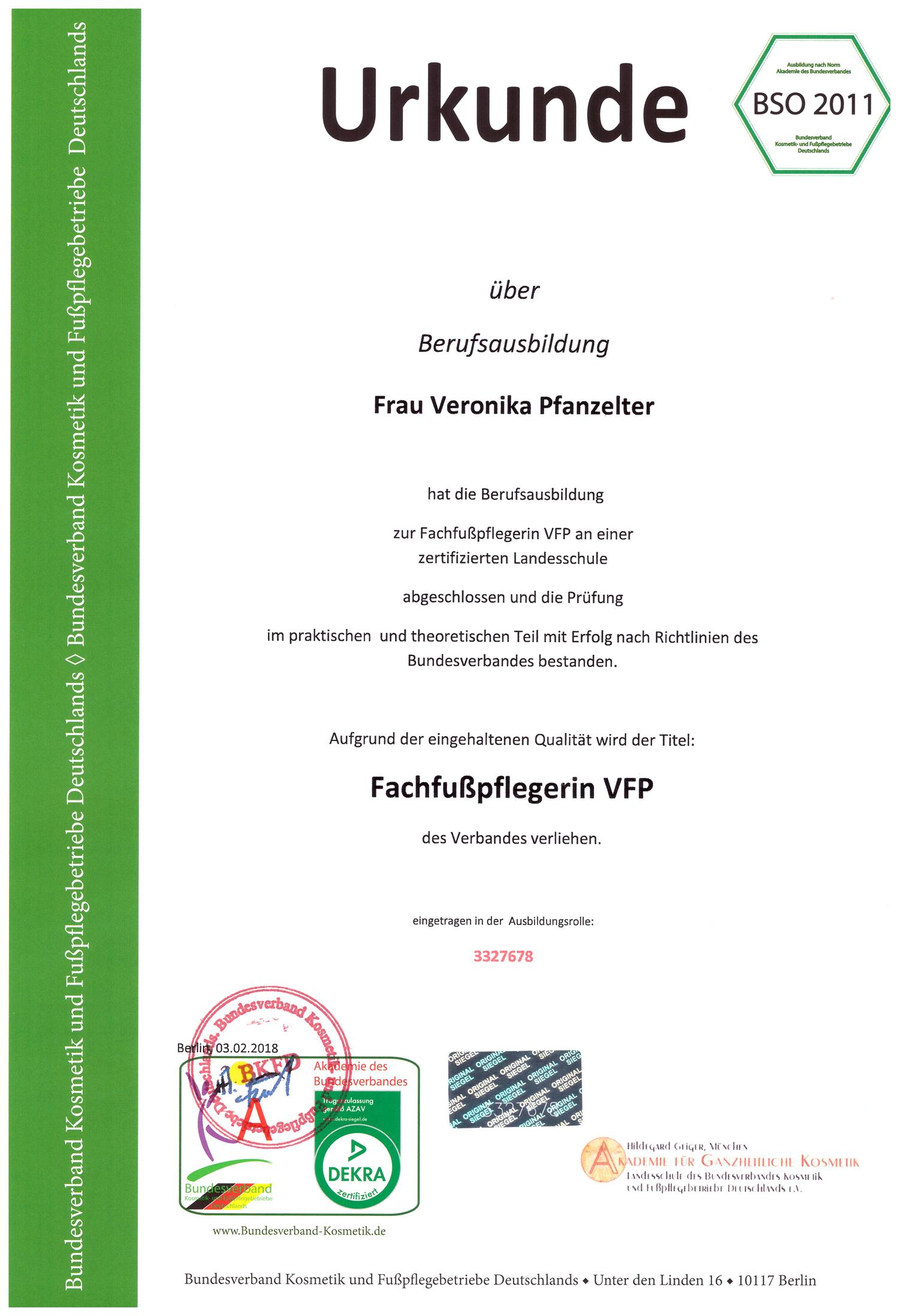 Veronika Pfanzelter - Berufsausbildung Fachfußpflegerin VFP